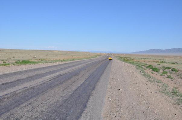 KZ: Solatrike in der Weite Kasachstans. (Foto: Tobias)