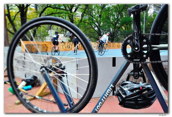 AU1454.Melbourne.Bike Polo