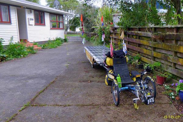NZ: Solatrike in Hamilton bei Verne & Lisa