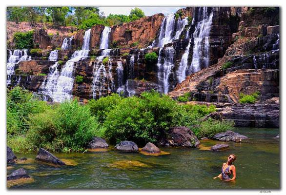 VN0324.Pongour Falls.Alena Mazo