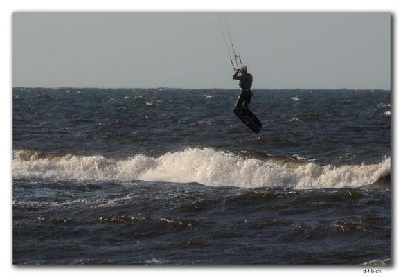 PL320.Kitesurferin