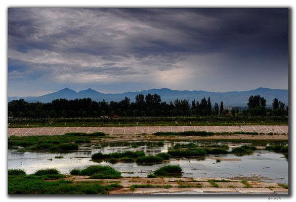 CN0334.Yanghe River