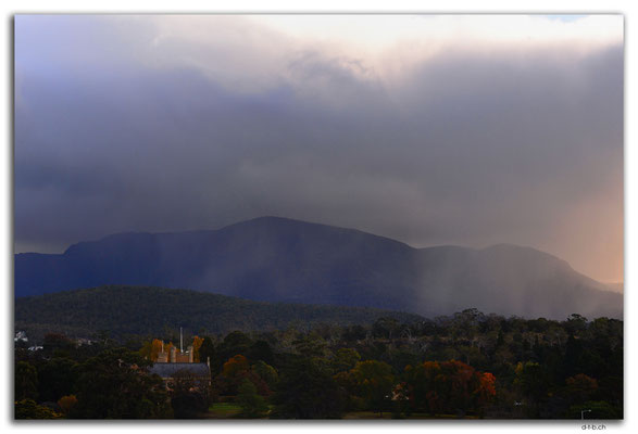 AU1324.Hobart.Mt.Wellington in rain
