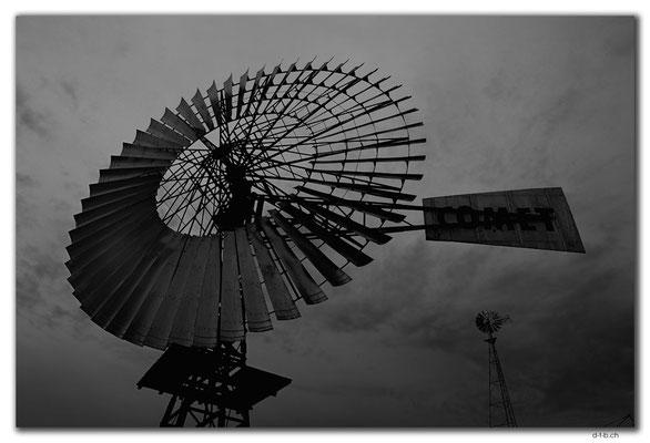AU0972.Penong.Windmill Museum.Biggest Windmill in AU