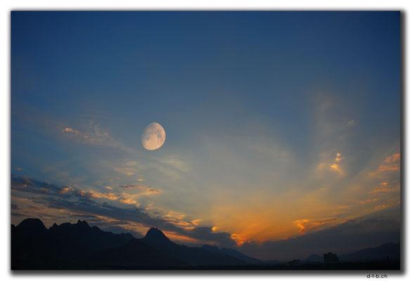IR0157.Isfahan.Sunset