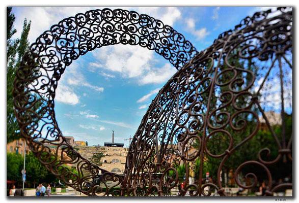 AM002.Yerevan.öffentliche Kunst