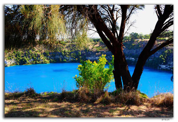 AU1133.Mt.Gambier.Blue Lake