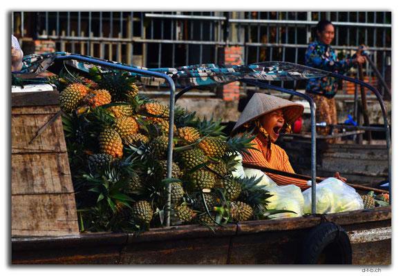 VN0365.Phong Dien.Floating Market