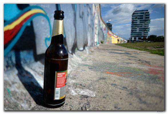 DE273.Berliner Mauer