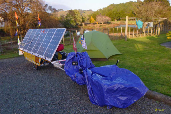 NZ: Solatrike in Paparoa