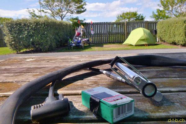 NZ: Solatrike Camping in Hawera und Schlauch flicken