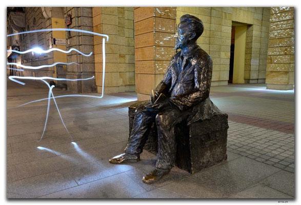PL125.Lodz.Statue