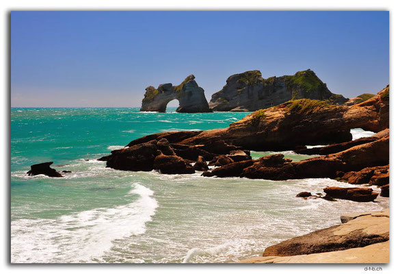 NZ0623.Wharariki Beach.Archway Islands