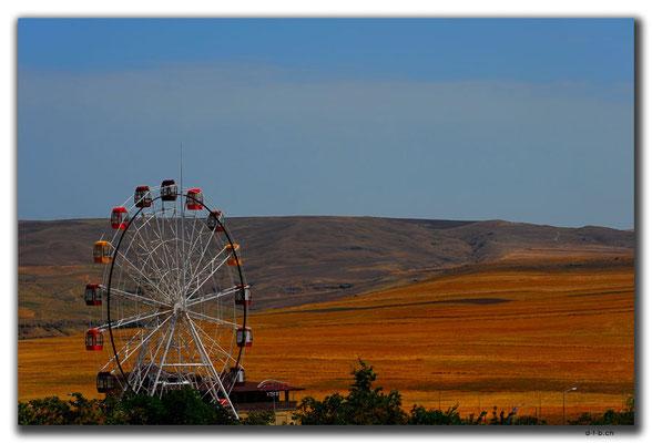 AZ024.Riesenrad in der Wüste