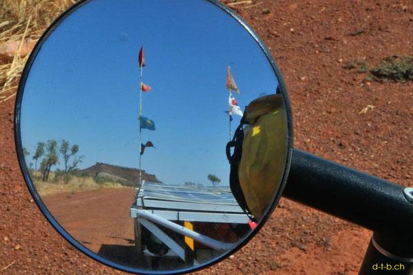 AU: Tafelberge im Rückspiegel vom Solatrike