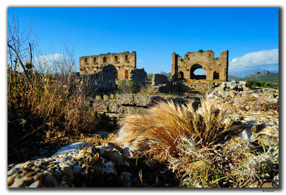 TR0423.Aspendos.Nymphaeum + Basilika