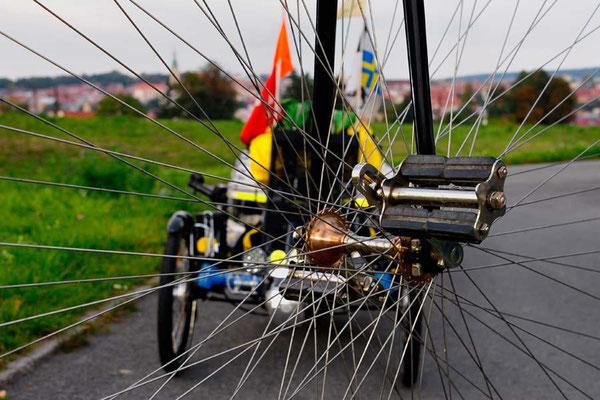 CZ: Solatrike in Uhreský Brod, Fotoshooting mit Hochradfahrer