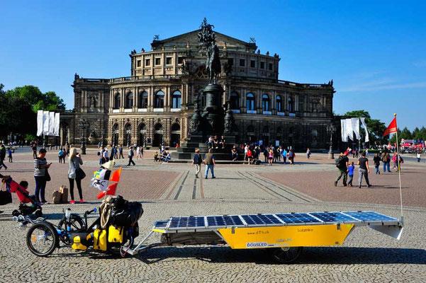 DE: Solatrike in Dresden,Semper Oper