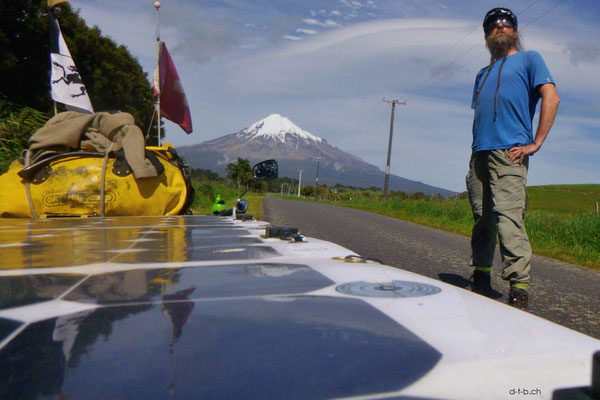 NZ: Solatrike, David und Mt.Taranaki