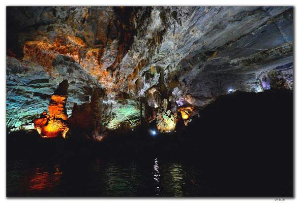VN0107.Phong Nha Cave