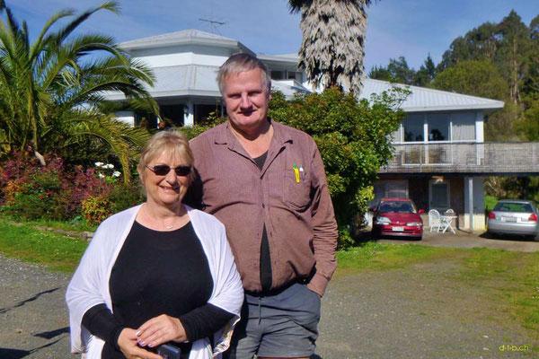 NZ:Bombay Hills, Nick & Ngaire