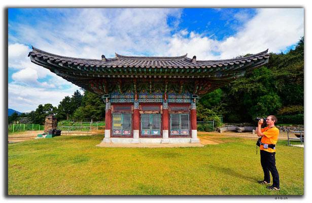 KR0214.Busan.Buddhistischer Tempel und Nino