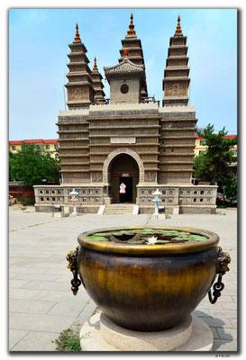 CN0284.Hohhot.Five Pagodas