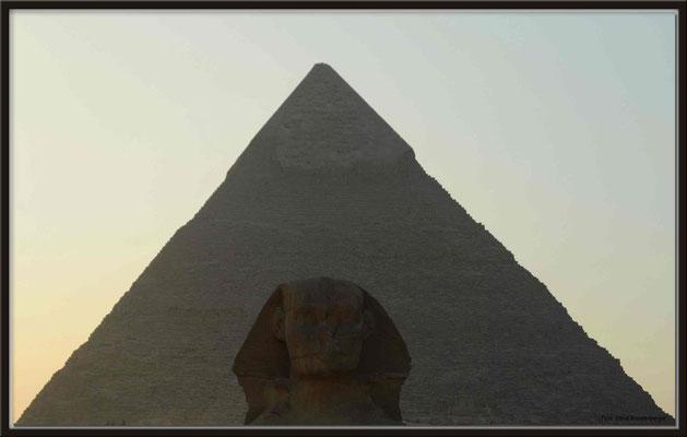 EG011.Pyramide und Sphinx.Gizeh