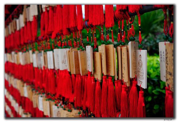 CN0470.Nanshan Temple.Glücksbänder