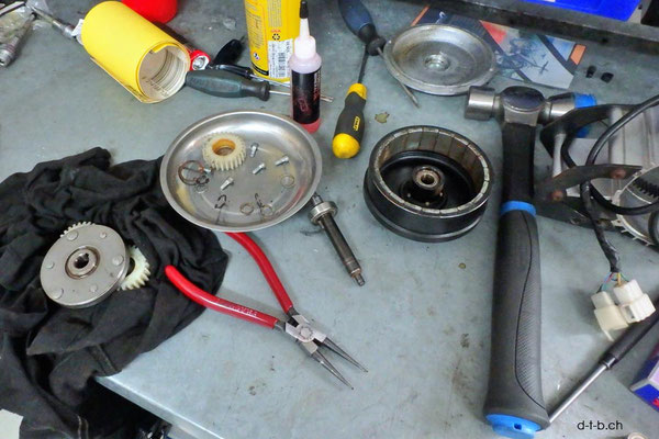 AU: Albany. Solatrike Vordermotor Total demontage