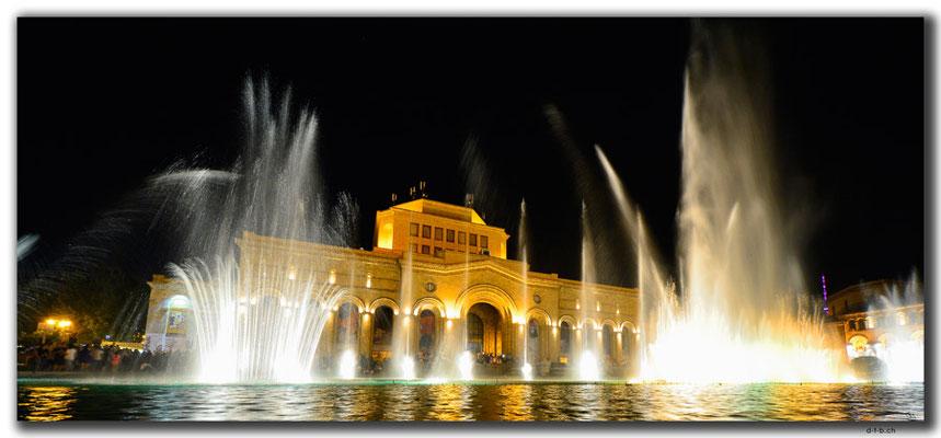 AM051.Yerevan.Wasserspiel