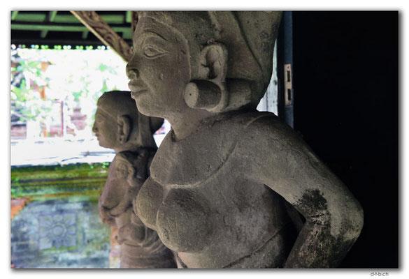 ID0009.Denpasar.Bali Museum.Stonecarving