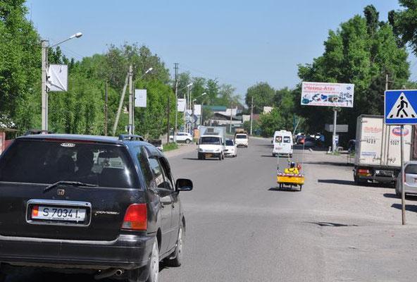 KG: Solatrike verlässt Bishkek (Foto: Tobias)