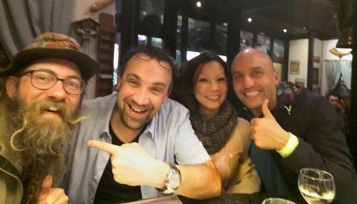 Hong Kong im Swiss Chalet. David, Marc Rohner und Freunde