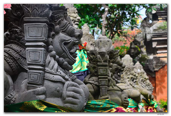 ID0129.Ubud.Palace
