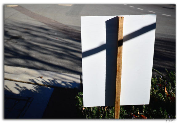 AU1518.Canberra.Shadow of the cross