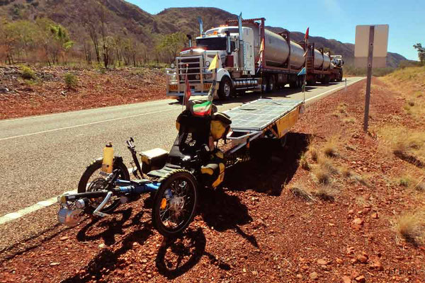 AU: Solatrike und Road train