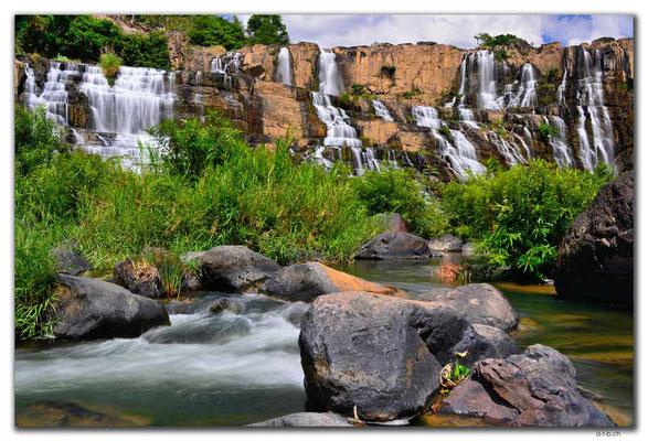 VN0330.Pongour Falls