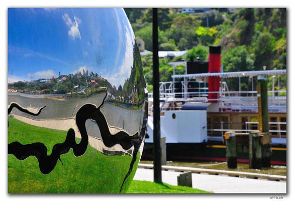 NZ0423.Whanganui River Art