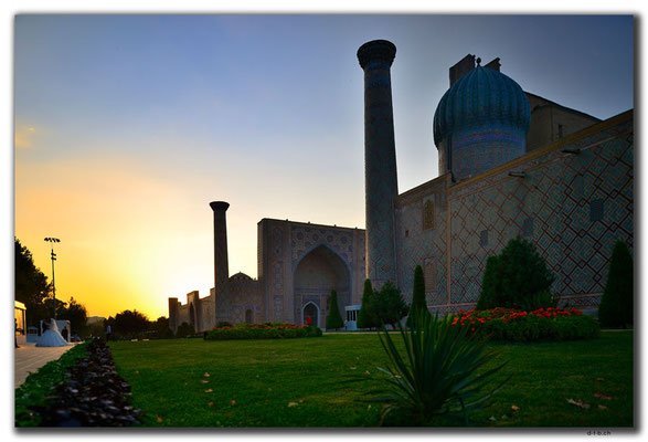 UZ0120.Samarkand.Registan