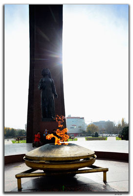 KG0020.Bishkek.WWII Monument.Eternal Flame