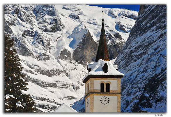 GW0078.Kirche mit Wetterhorn