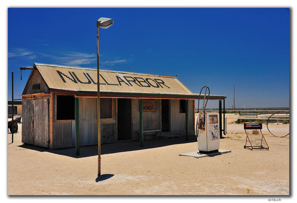 AU0955.Old Nullarbor Roadhouse