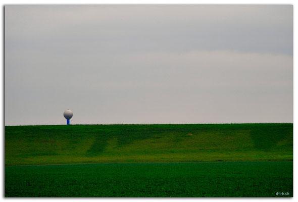 CZ046.Gigantischer Golfball