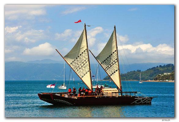 NZ0458.Wellington.Hafen.Traditionelles Schiff