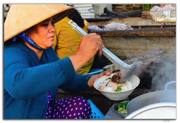 VN0368.Phong Dien.Floating Market