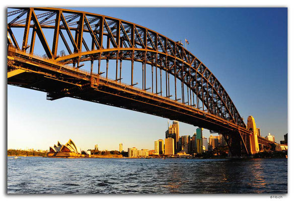 AU1653.Sydney.Opera House & Harbour Bridge.Milsons Point