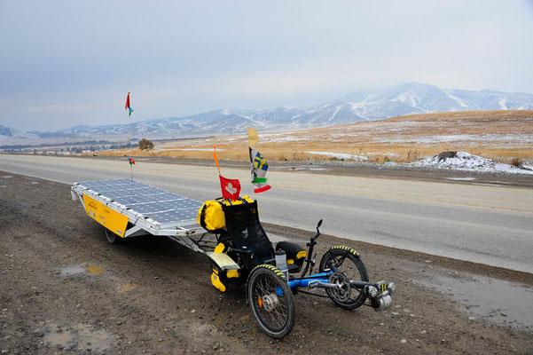 KZ: Solatrike auf noch einem eingeschneitem Pass