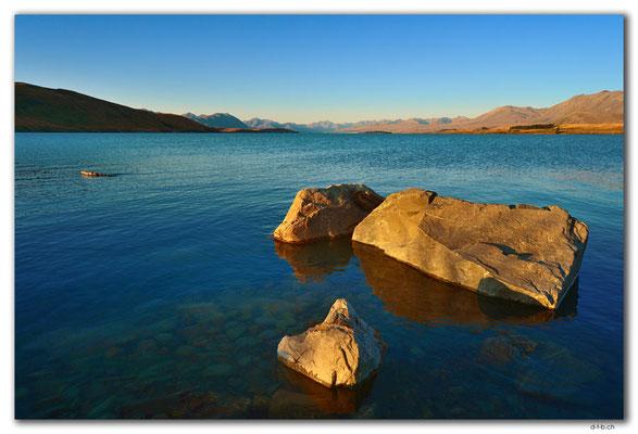 NZ0773.Lake Tekapo