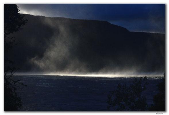 AU1401.Overland Track.Wind over Lake St.Clair